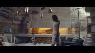 ExMachina Final Escene, Ava escape