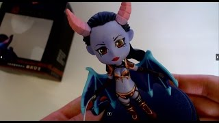 Dota 2. Распаковка фигурки Queen of Pain. Queen of Pain minifigure unboxing